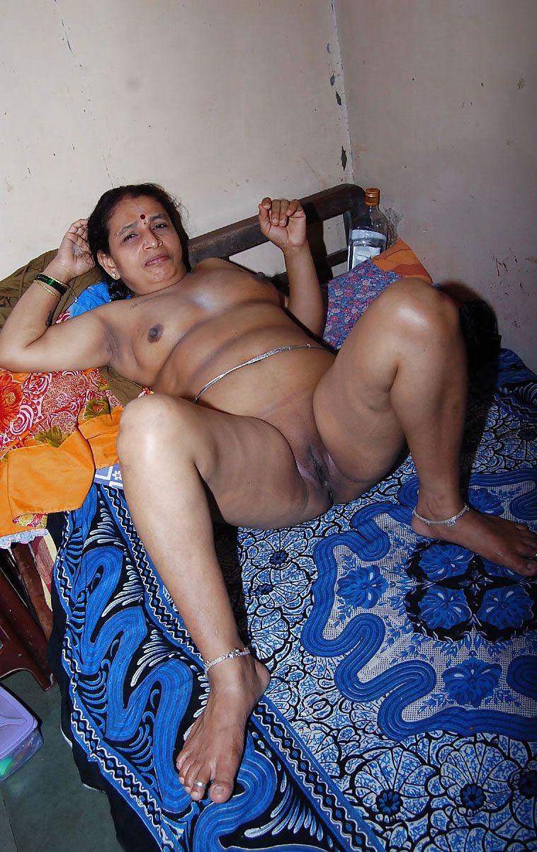 Indian Aunty Naked Photos
