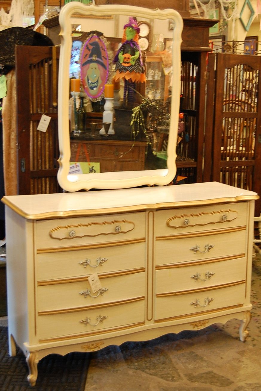Vintage 70 S Cream And Gold Detailed Dresser With Mirror
