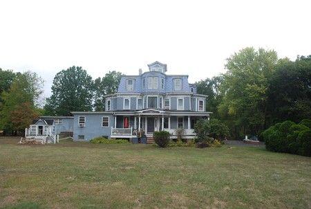 Ellesdale Manor