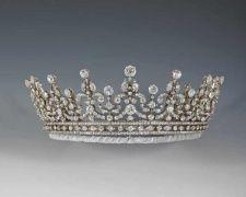 تيجان ملكية  امبراطورية فاخرة 35554666e0097aaf4689f9808d28cdf9