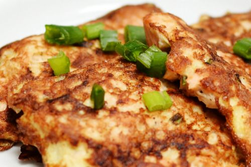 Delicious salmon cakes. I keep coming back to this recipe. Haven't tried the ginger mayo, but the cakes themselves are now my favorite flavor. So good - and everyone in my family agrees (and eats every bite)!