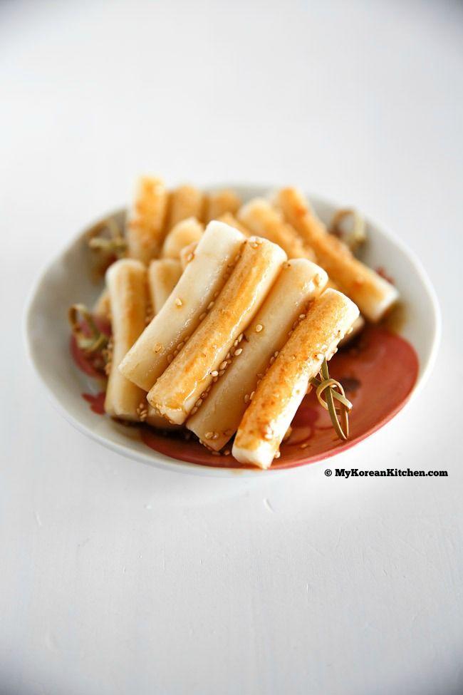 Korean Rice Cake Skewers Tteok Kkochi Recipe Food Korean