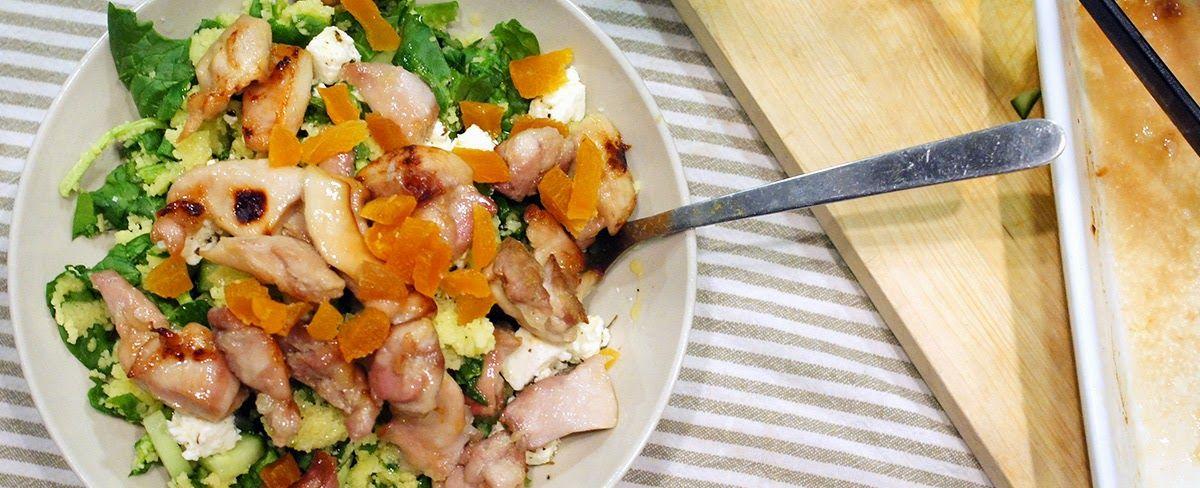 Gewoon wat een studentje 's avonds eet: Dinner: Couscous met kippendijen met honing uit de oven, spinazie, feta en abrikozen