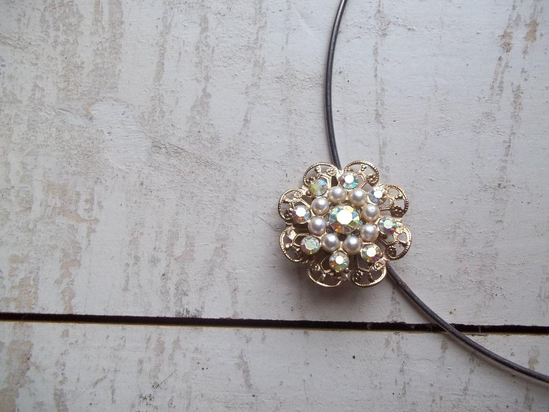 Pearl Rhinestone Floral Brooch Pin Pendant Silver Tone