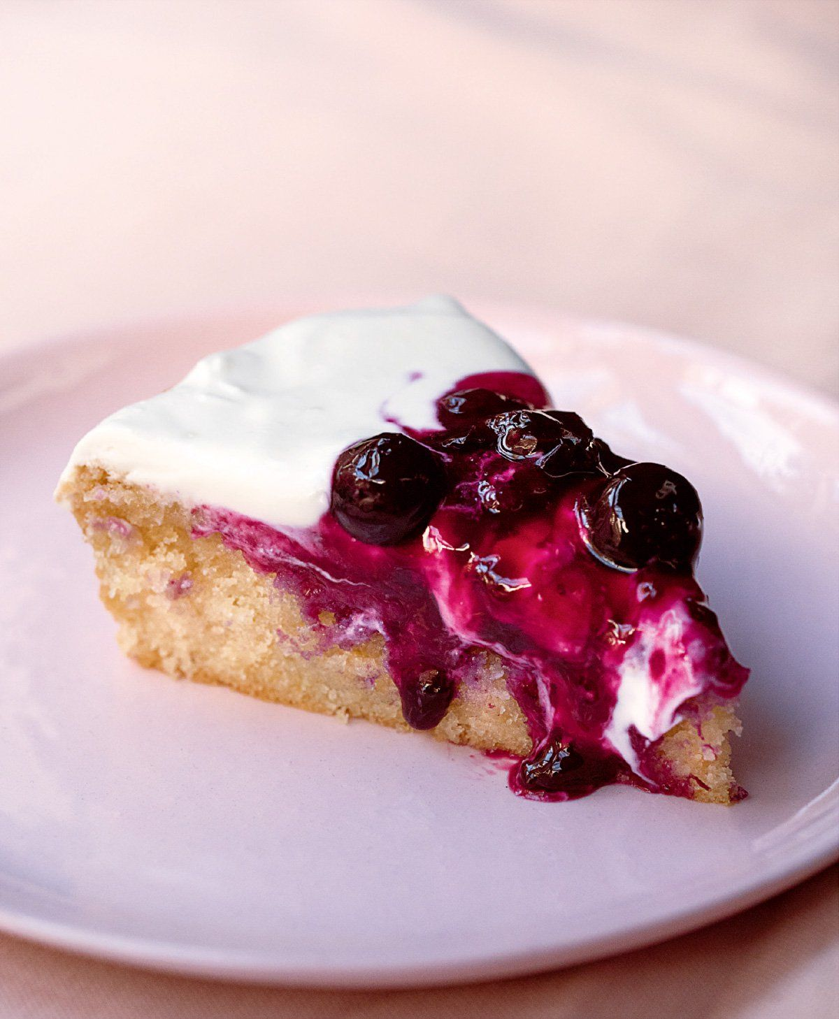 Lemon tendercake with blueberry compote recipe