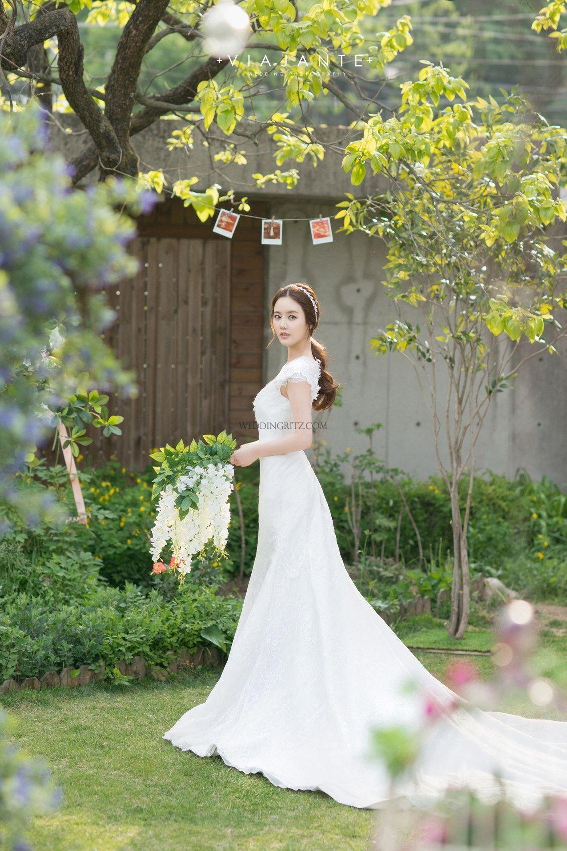 4e9e7545a2c8 Korea Pre Wedding Photoshoot Review by WeddingRitz.com » A Special Korea pre -wedding sample book from Viajante Studio with Bridal Shower