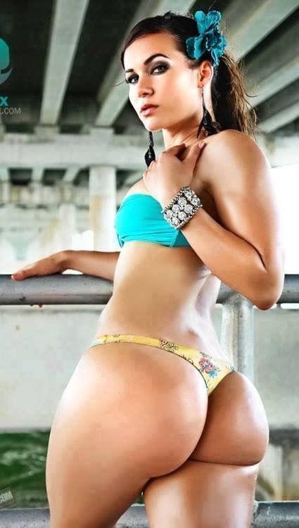 Julianna guill nude