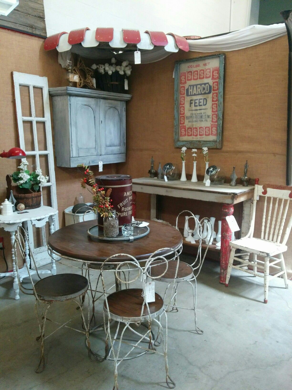 Antique Booth Vintage Display And Home Decor Booth Displays