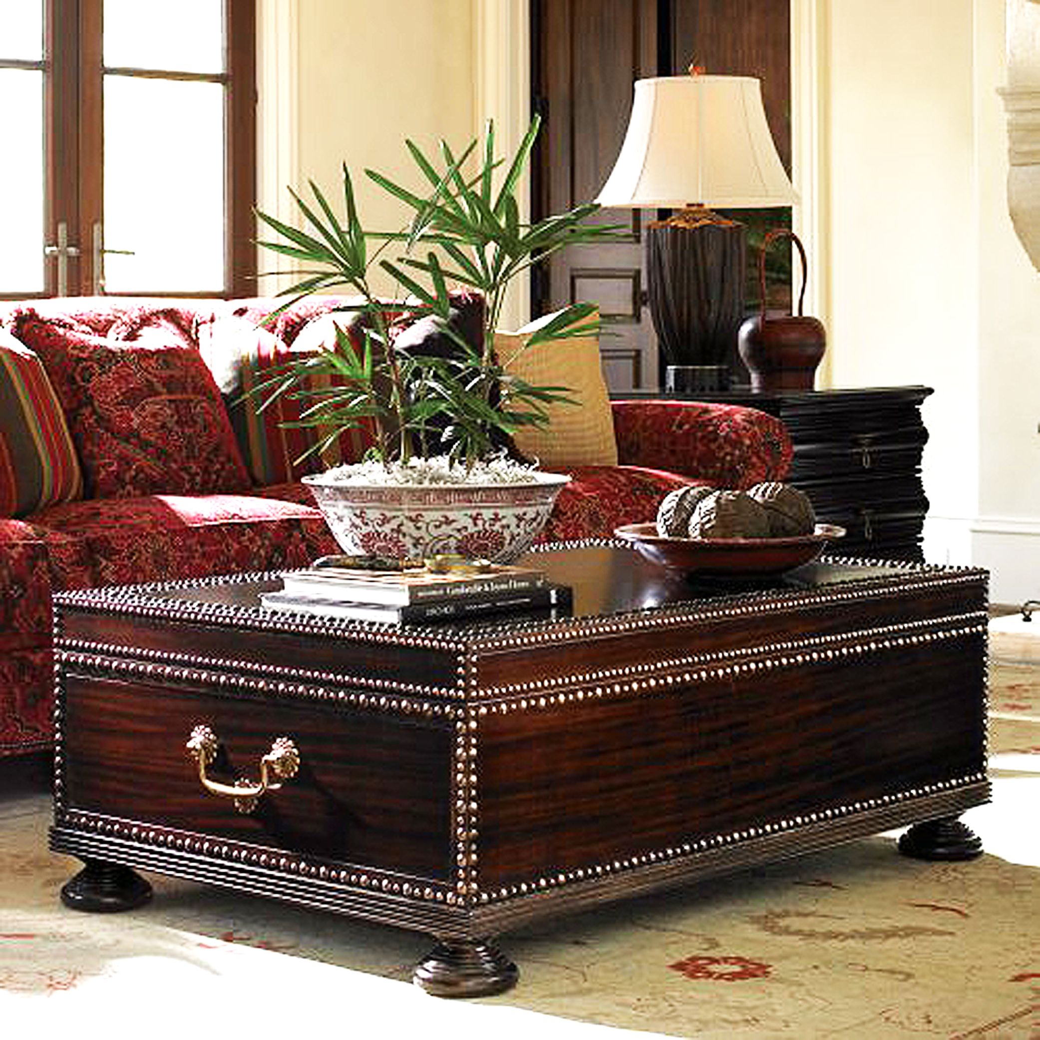 Get exclusive coffee tables from Renaisaance Homez made of classy