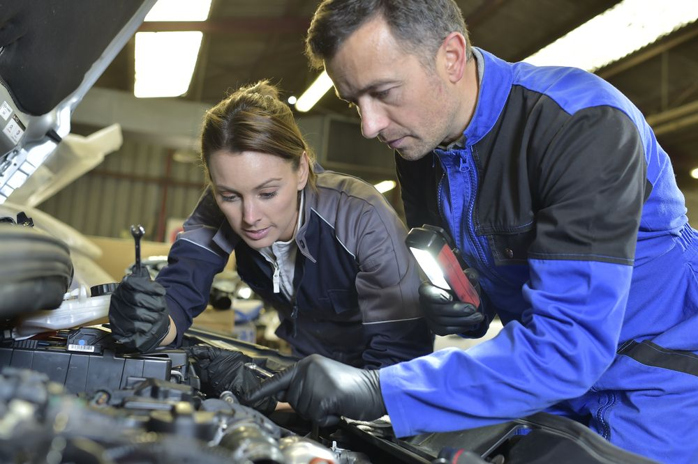 10 Best Online Automotive Certification Programs Main Image Homeschool Programs Automotive Technician Education Degree