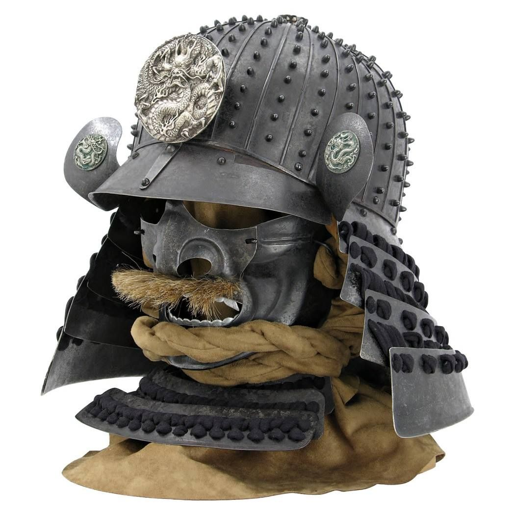 The kabuto (helmet) and menpo (mask), authentically detailed ~ Hanwei Dragon Samurai Armor.The helmet is an excellent example of the Suji Bachi style of helmet, typical of the finest helmet makers (Katchu-shi) of the Momoyama period (1573-1615). The mask is in typical Nara style......PARTAGE OF JUST LOVE JAPAN ON FACEBOOK.......