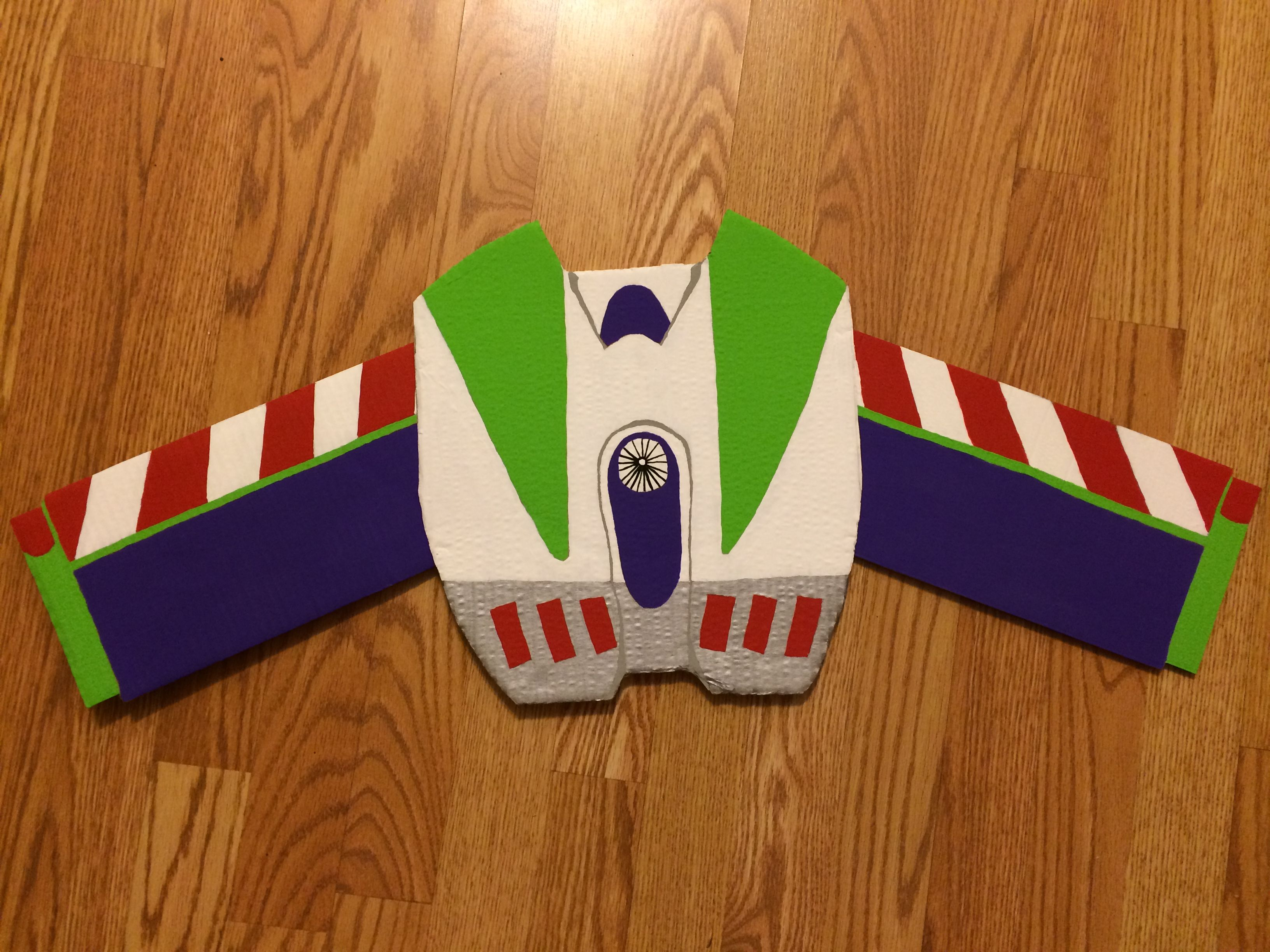 Homemade buzz lightyear wings only requires cardboard box and homemade buzz lightyear wings only requires cardboard box and acrylic paint glued cardboard pronofoot35fo Gallery