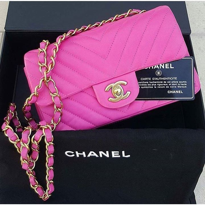 Chanel Pink Lambskin Small Ghw Condition Excellent Delivered With Box Card And Dustbag Price Aed 8 900 Bagatellebou Chanel Bag Shoulder Bag Chanel