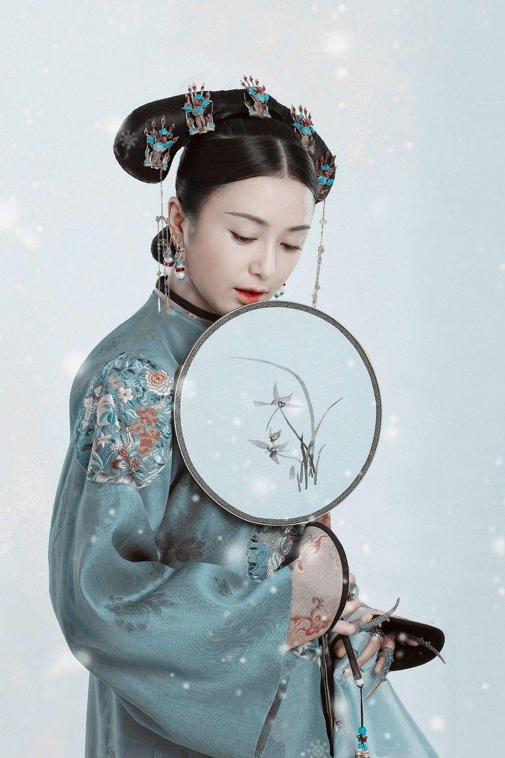 """Không làm nữ thần Kim Ưng, """"Phú sát Hoàng hậu"""" Tần Lam vẫn gây bão ..."""
