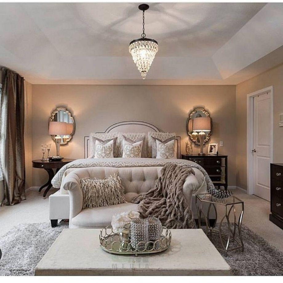 30 Warm and Cozy Master Bedroom