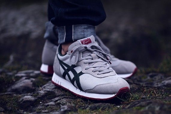 ASICS ONITSUKA TIGER X the good will out X Caliber SLVER Knight