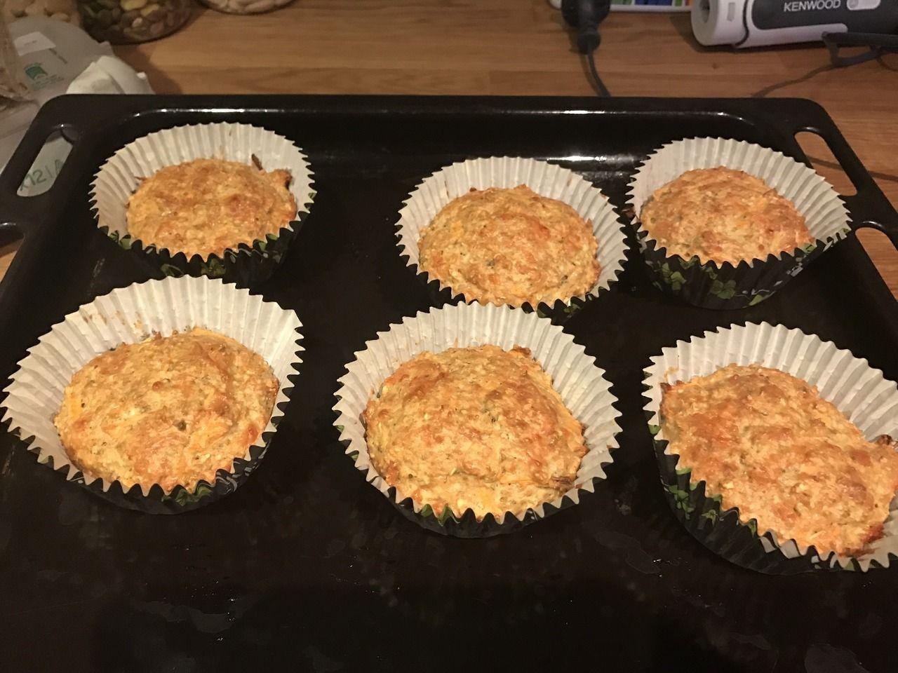Onze lunch voor morgen: Hartige muffins met wortel.