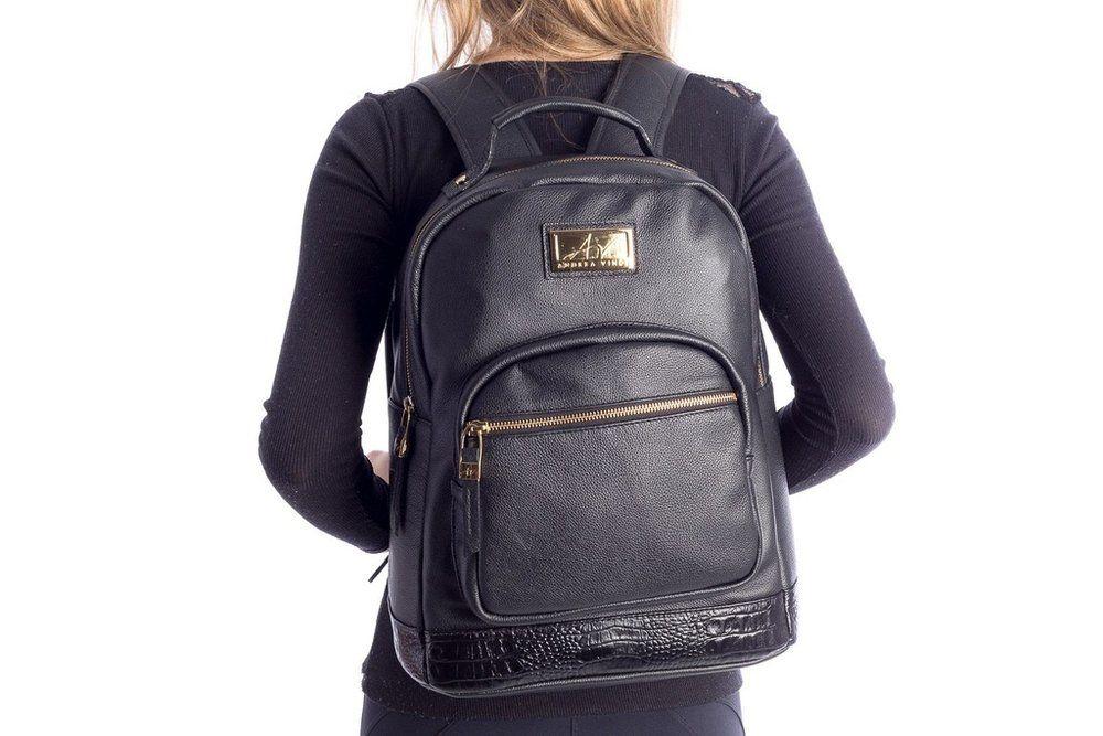c147f4aaa Mochila feminina de couro legítimo Andrea Vinci preta - Enluaze - Bolsas,  mochilas, roupas e acessórios
