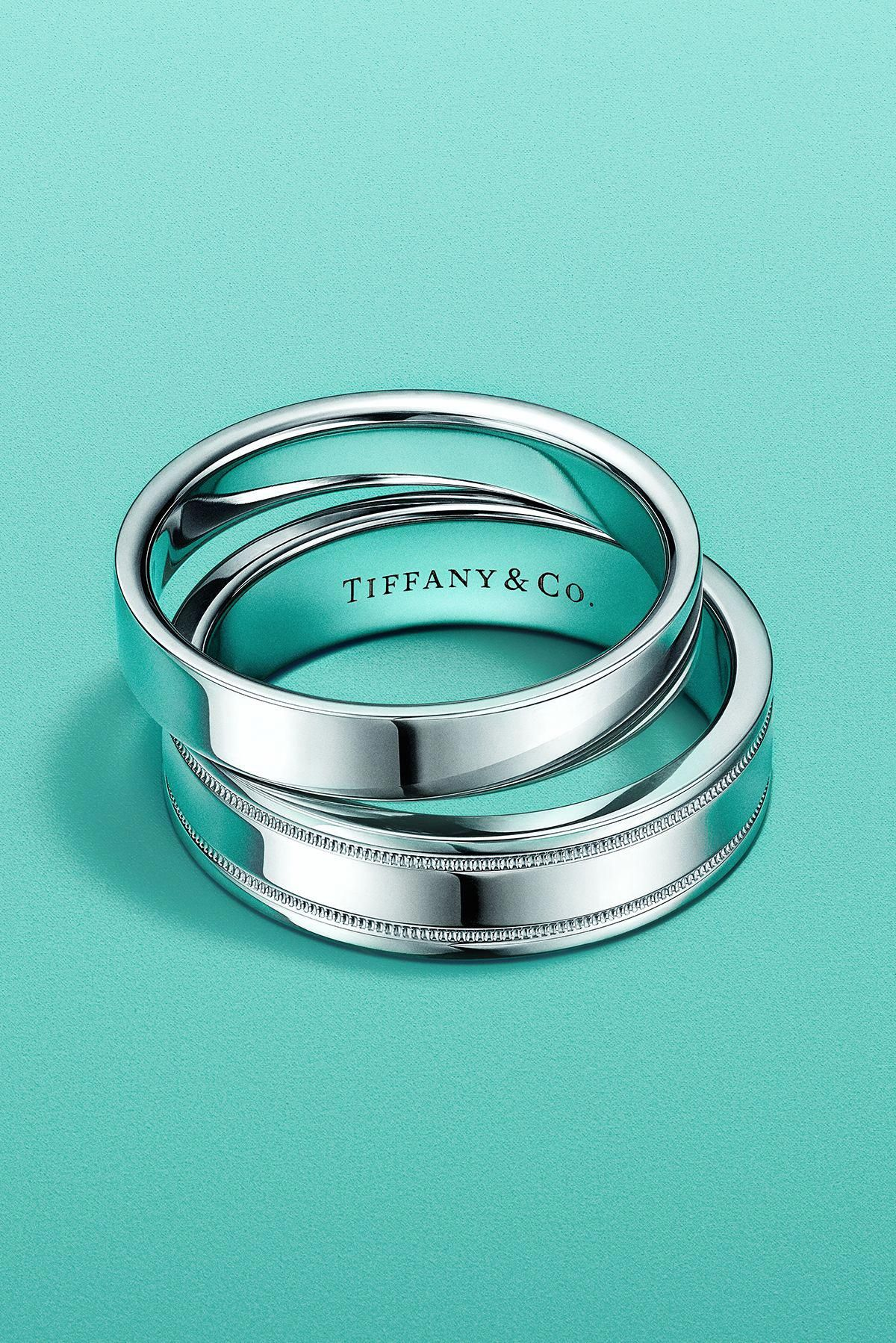 Tiffany Classic™ and Tiffany Flat band rings in platinum