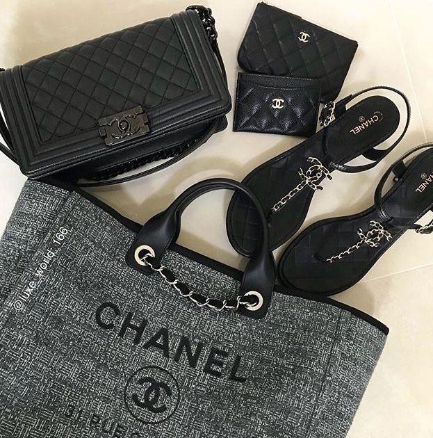 5b4b039cb457 Chanel Fashion, Fashion Bags, Runway Fashion, Womens Fashion, Coco Chanel  Bags,