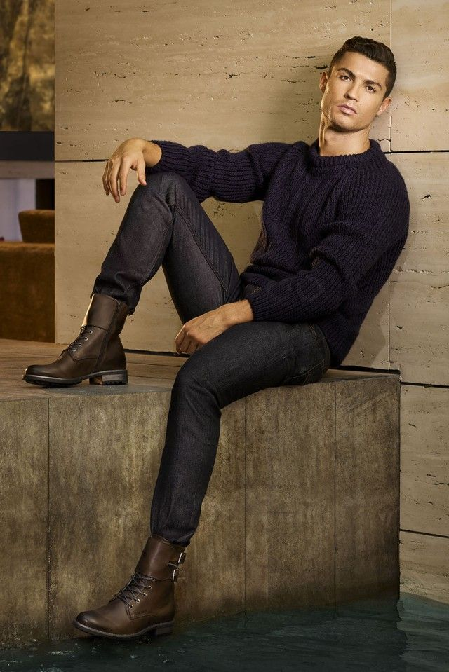 WOW!! Cristiano Ronaldo displayed a perfect look with the