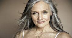 Mujer de 70 años luce de 40 – Receta para una mejor vista, la piel joven y el…