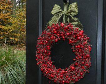 Red Berry Christmas Wreath Holiday Wreath Cranberry Wreath Christmas Wreath Choose Ribbo Coronas De Navidad Coronas Navidenas Coronas De Puertas Navidad