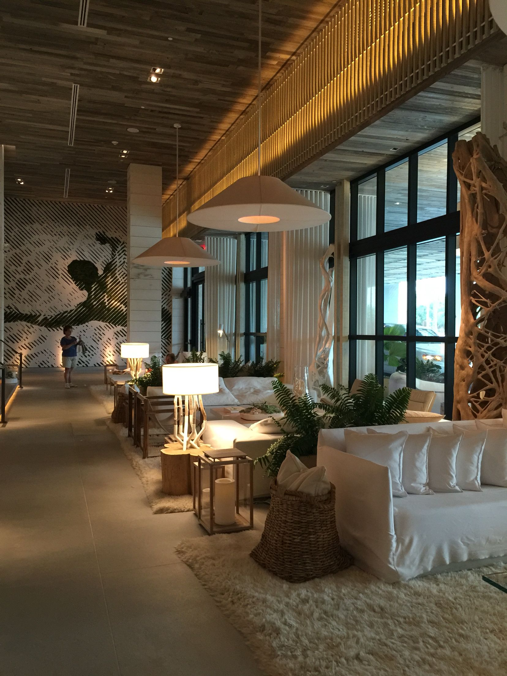 Luxury Interior Designers In Mumbai: 1 South Beach Miami. Lobby Of The Hotel.