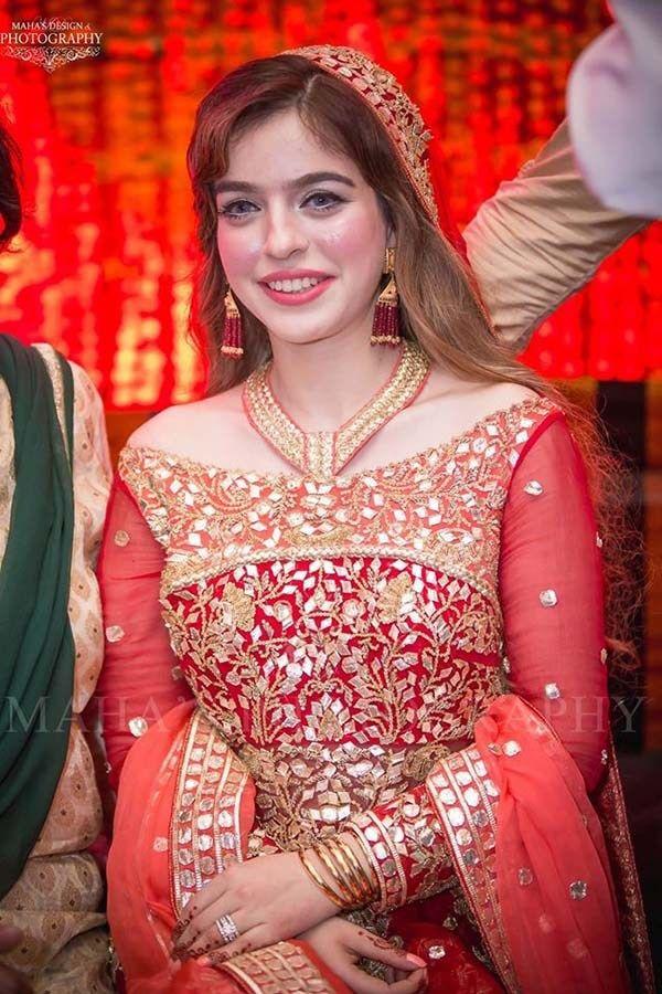 Zarpash Mustapha Mehndi Photoshoot   brides   Pinterest
