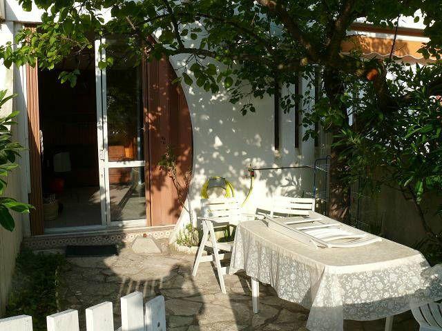 A Louer Studio Vacances Avec Jardinet 34280 La Grande Motte Herault Jardinet A Louer La Grande Motte