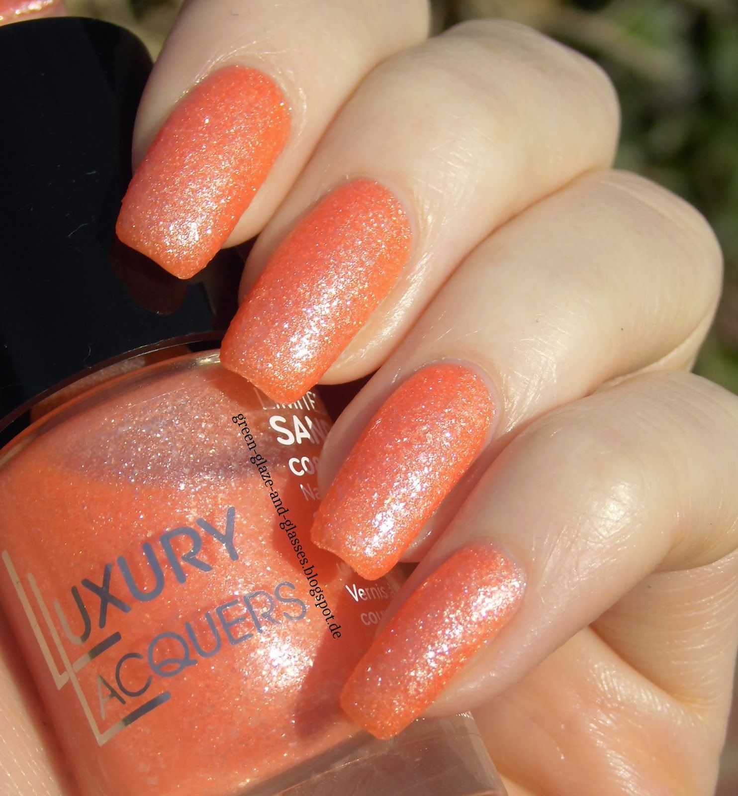 Green, Glaze & Glasses: Catrice Luxury Lacquers LE - Sand' Sation C08 Waikiki Peach