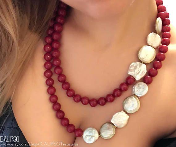Collana in radice di rubini perle di fiume e madreperla con chiusura in argento 925 con - Collane di design ...