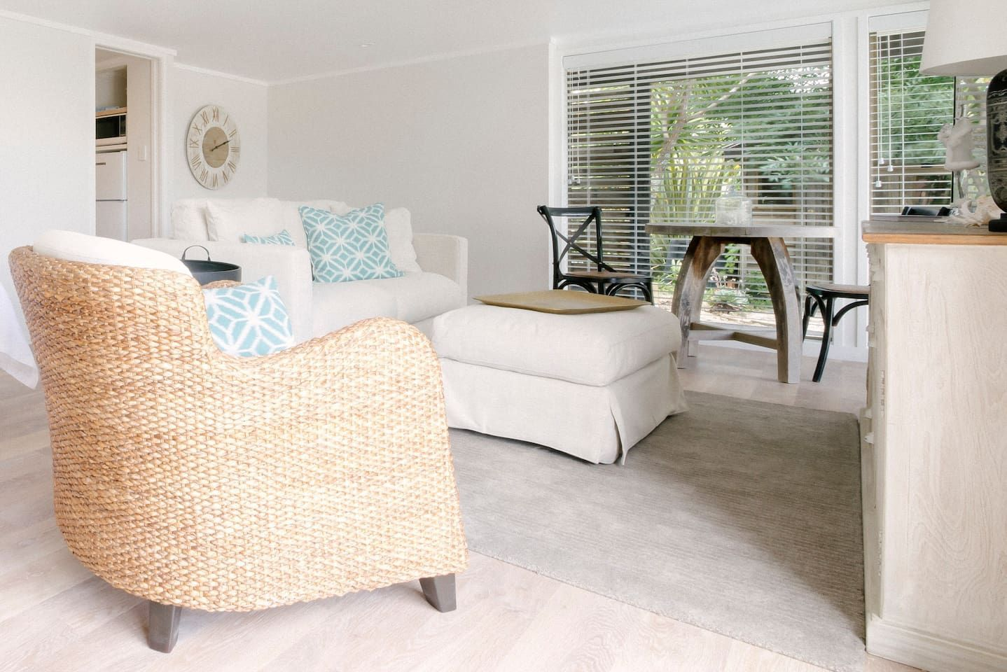 Sea view and Sunset Apartments for Rent in Auckland