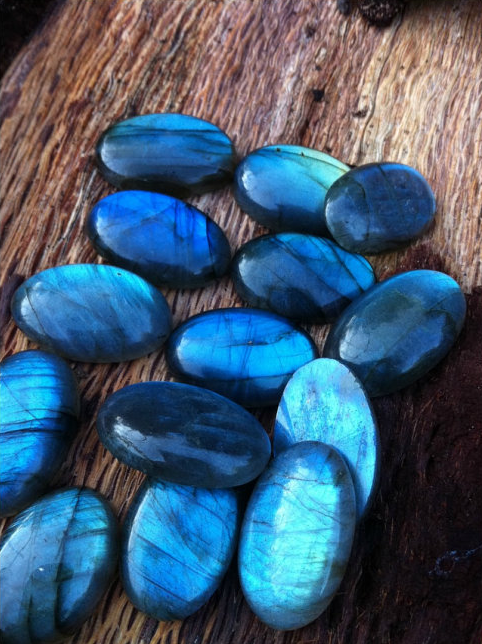 Labradorite Cabachons 4 To 5 Grams25mm Each Approx 25