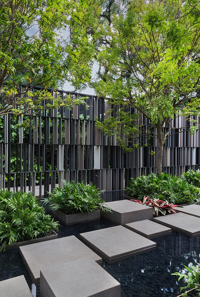 Stepping Stone Path Through Contemporary Landscape Design 400 x 300
