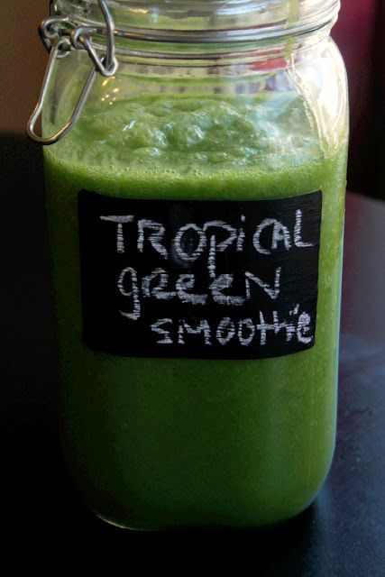 1 head organic romaine lettuce, chopped 1 1/2 cup pineapple chunks  1 cup Good Belly mango 1 cup water 1 frozen banana