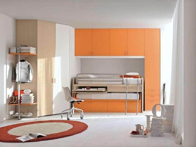 Cameretta a ponte arancio e beige - La struttura che racchiude i ...