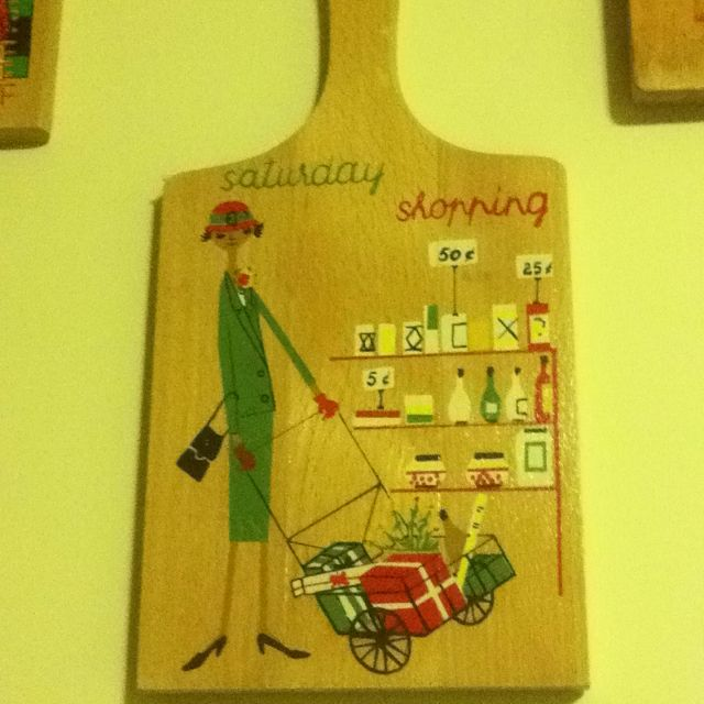 Kitchy Kitchen Decor: 1950's / 1960's Cutting Board Retro