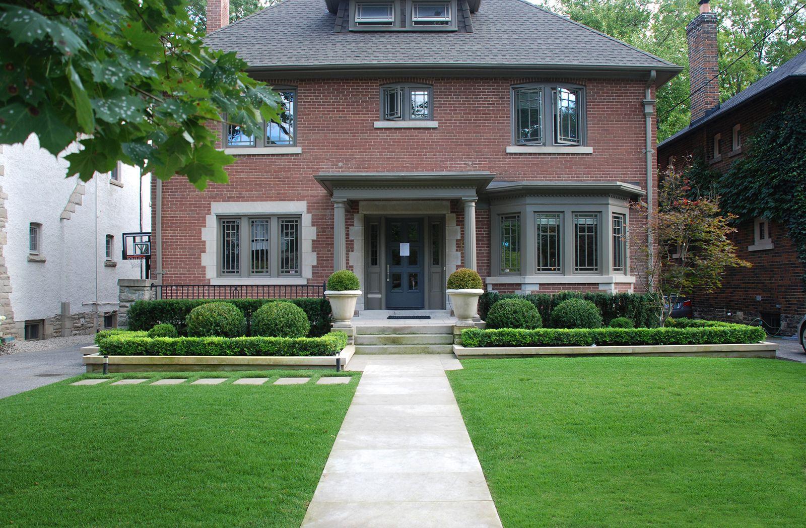 Symmetrical Front Landscape Design Front Yard Landscaping Design