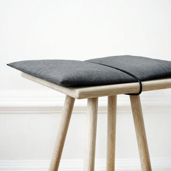 die besten 25 sitzhocker ideen auf pinterest. Black Bedroom Furniture Sets. Home Design Ideas