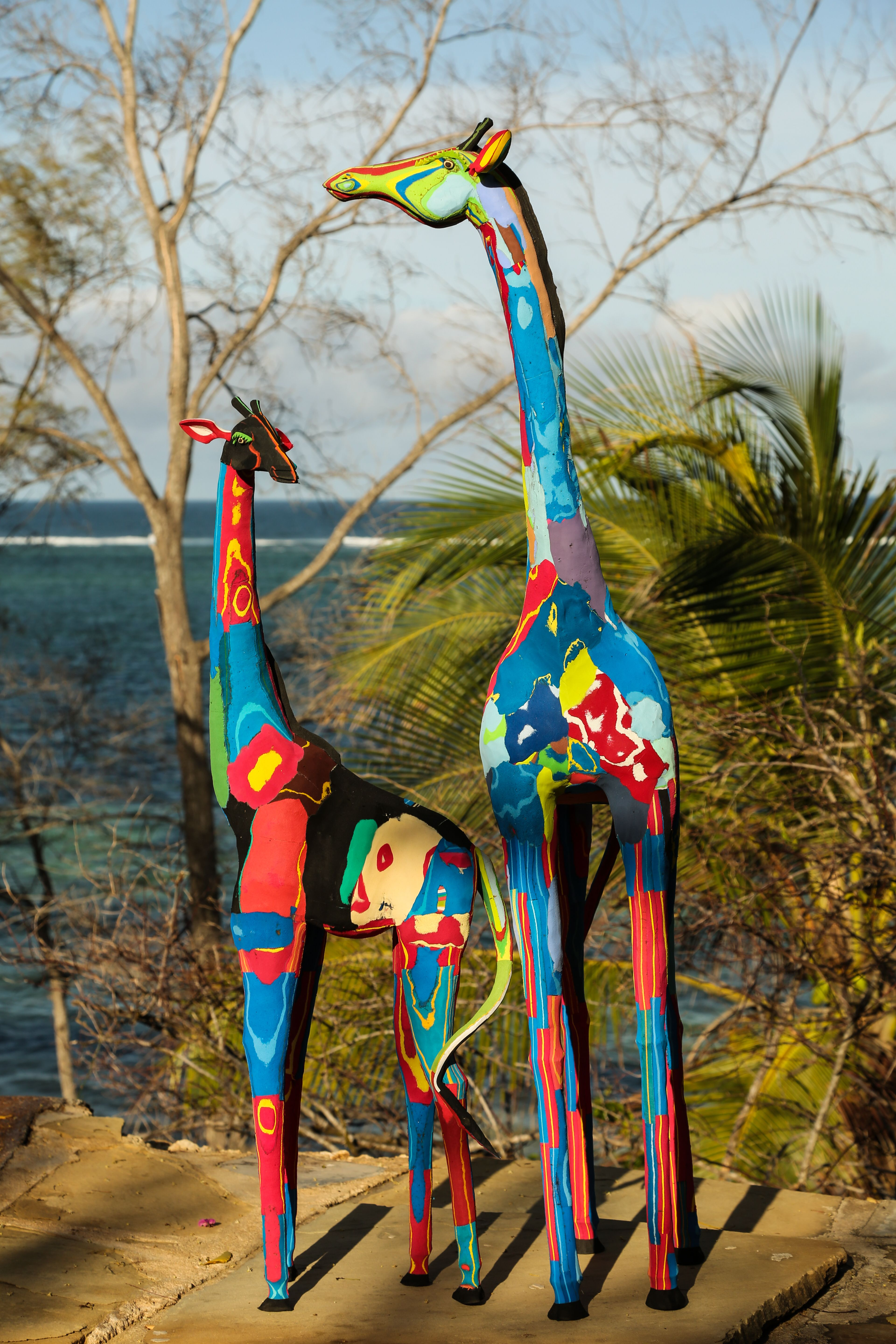 88ca2411c Giraffe s made out of washed up flipflops from the coast of Kenya ...
