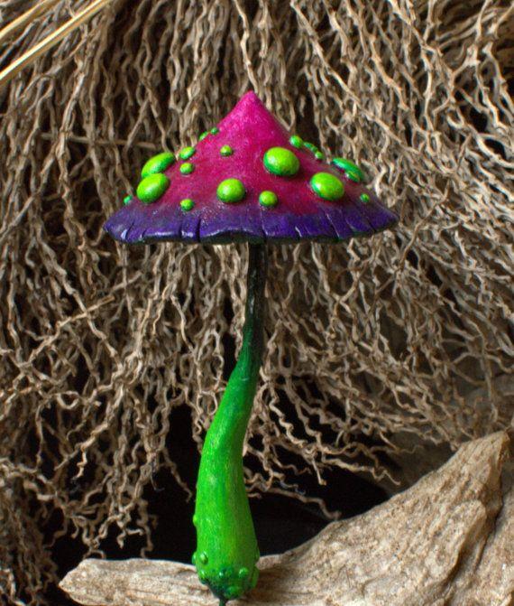 Fée verte mauve rouge fantastique jardin champignon, polymère argile ...