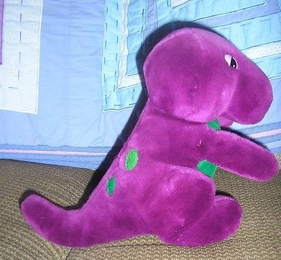 HERE IS AN ULTRA RARE STUFFED BARNEY ORIGINAL DOLL FROM - Barney and friends backyard gang doll