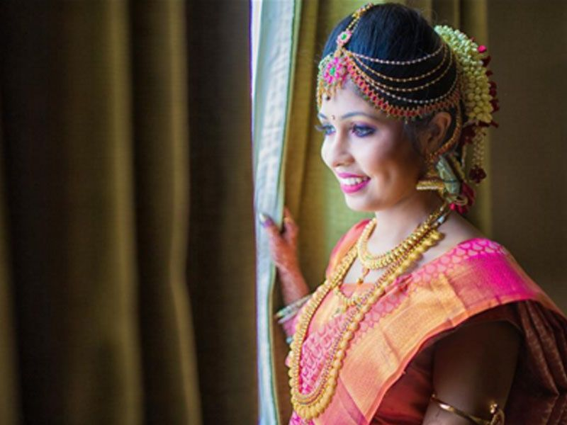 10 Gorgeous Nethi Chuttis For South Indian Bridal Hairstyles