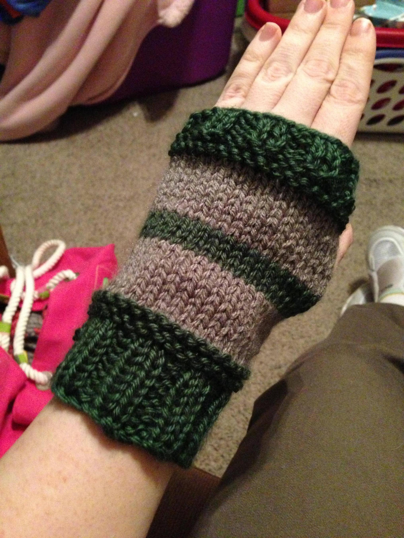 Cezzaj91 knitting pattern harry potter gryffindor hand warmers cezzaj91 knitting pattern harry potter gryffindor hand warmers bankloansurffo Image collections