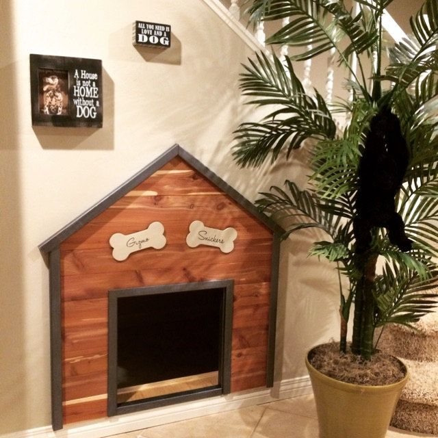 Dog House I Built For Snickers And Gizmo Under Our Stairs Vinyl Letters From Wordcandyvinyl On Etsy Check Them Out 画像あり 犬の部屋 ペット アイデア