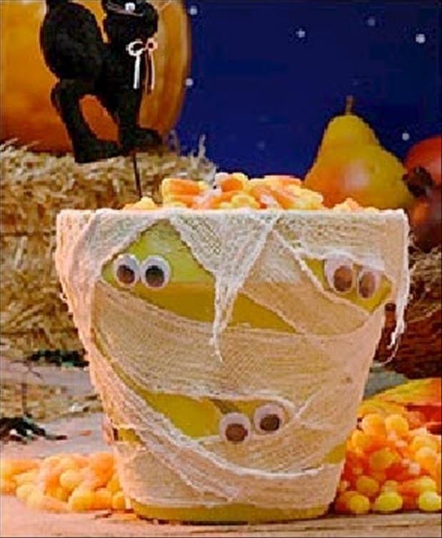 22 Do It Yourself Halloween Decorations Ideas