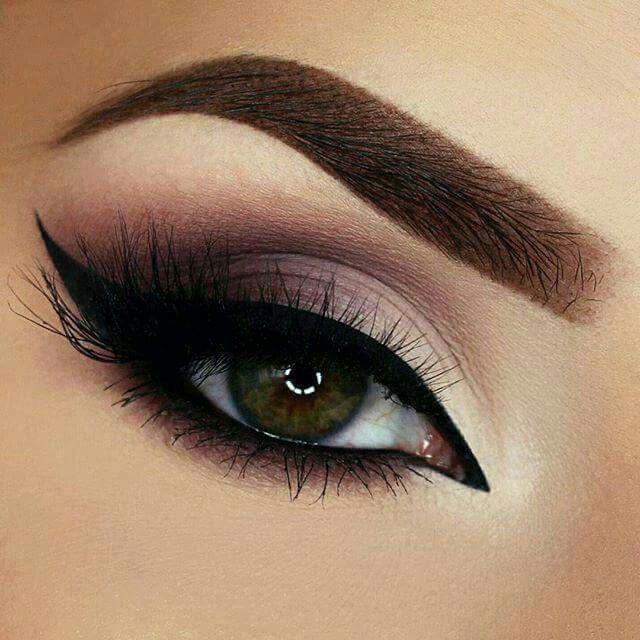 Maquillaje De Ojos Calido Sombras Cafe Con Ahumado Negro Peinados - Maquillaje-negro