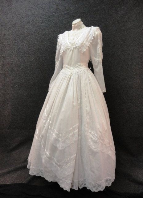 Wedding Dress 70s 80s Wedding Dress Vintage 1970s 1980s White Cotton Wedding Dress By Jessica Mcclintock Bridal M 1980s Wedding Dress Wedding Dresses Cotton Wedding Dresses