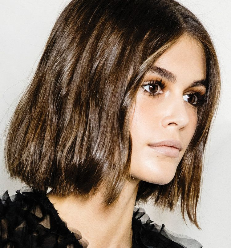 "Runway Inspiration From Kaia Gerber's ""Drama Cut"" to the Strawberry Lips at Chanel — ELLE"